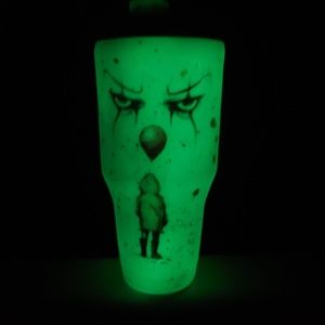 Pennywise IT Glow in the dark 30 oz  tumbler!